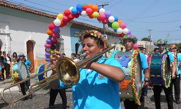 parade in suchitoto el salvador